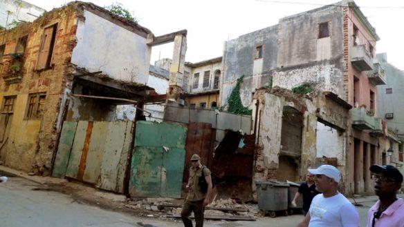 Collapsed building in Havana (Photo: Sylvia Corbelle)