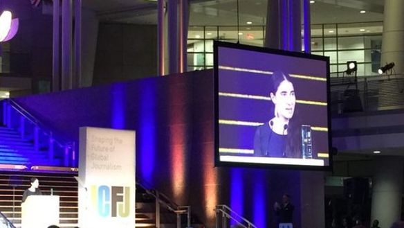 Yoani Sanchez accepts the Knight International Journalism Award 2015. (karinkarlekar)